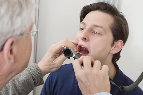 признаки молочницы у мужчин во рту