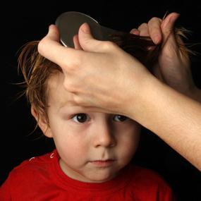 Зуд кожи головы за ушами