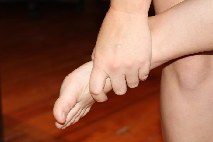 how to remove the nails on the foot