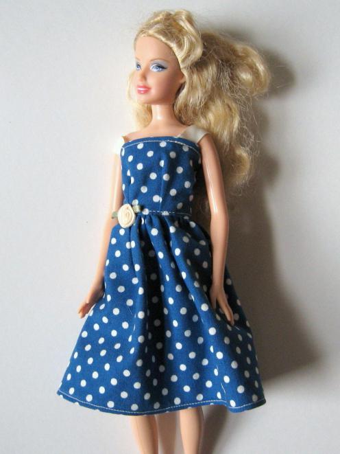 Как сшить платье для беременной барби 35