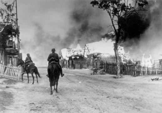 beginning of the Second World War briefly