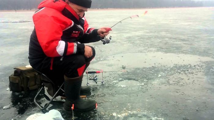 Коромысло для ловли леща зимой