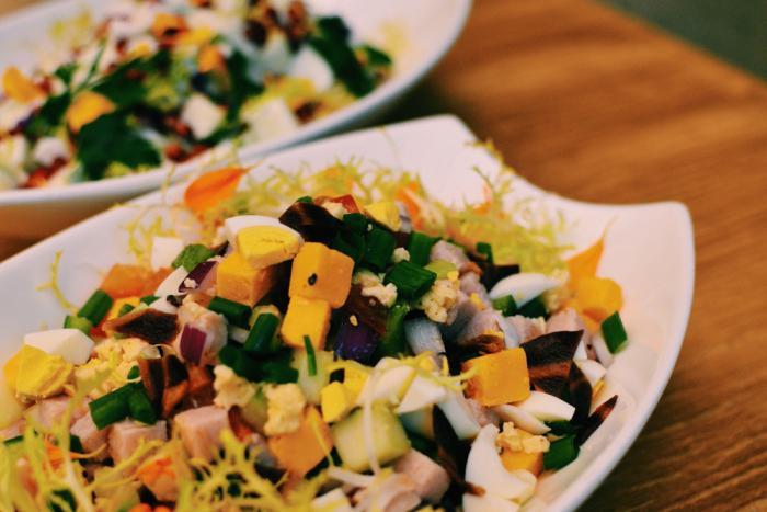 Салат с капчёным сыром косичкой фото