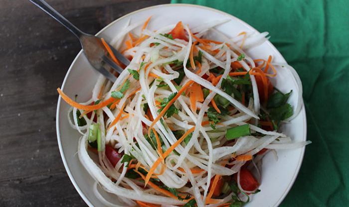 Daikon salad with egg.
