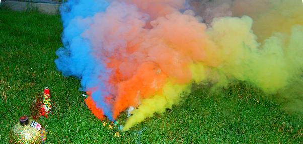 Как сделать дымовуху? Цветные дымовые шашки: фото, инструкция :: SYL.ru