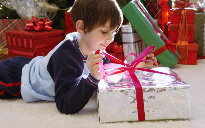 Подарок школьнику на новый год в школе