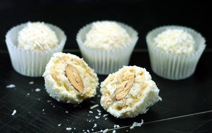 Конфеты Ежики с растопленными ирисками, пошаговый рецепт с фото