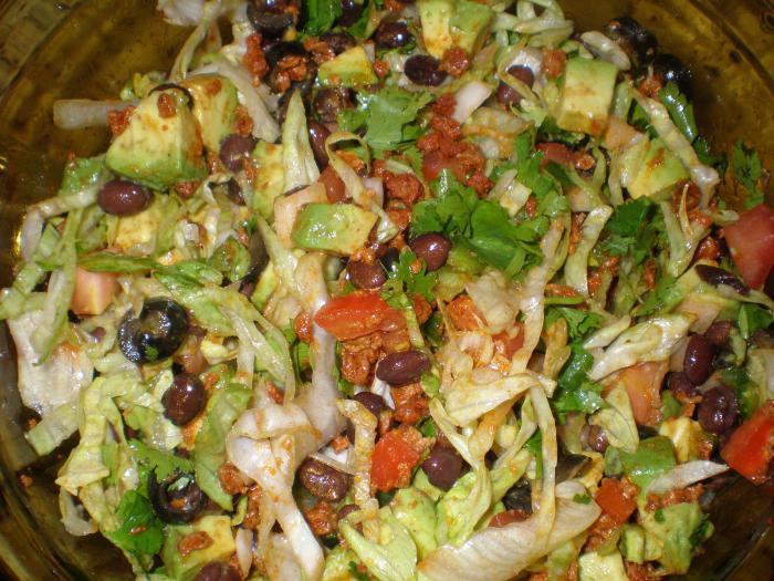 постный салат из стручковой фасоли и грибов