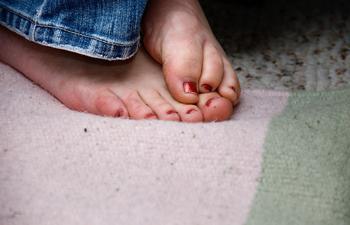 У пожилого человека мерзнут ноги что делать