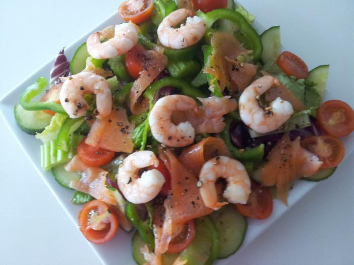 салат с креветками икрой и рисом рецепт