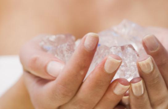Почему у подростка холодные руки