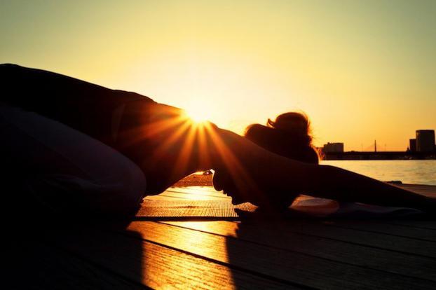 йога дома для начинающих утренний комплекс