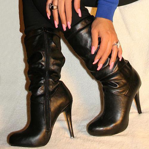 Sleep - black boots