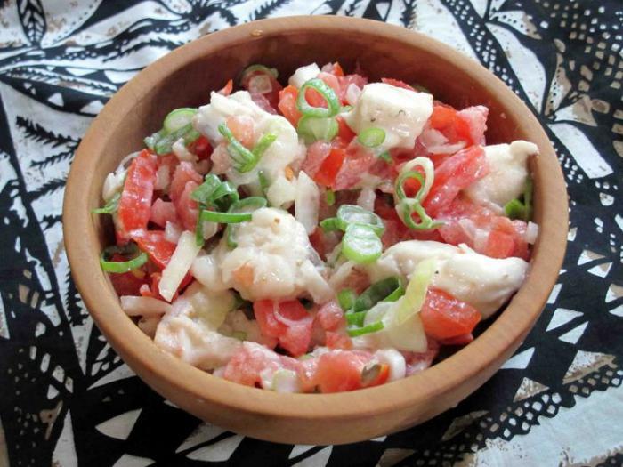 Салат из белой фасоли со шпротами заменяет первое, второе и компот.