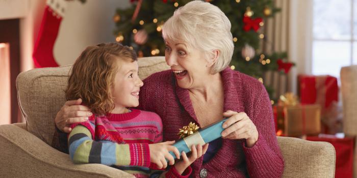 Какой подарок ребенок может сделать бабушке