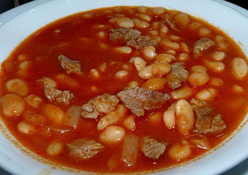 beans with meat in a slow cooker