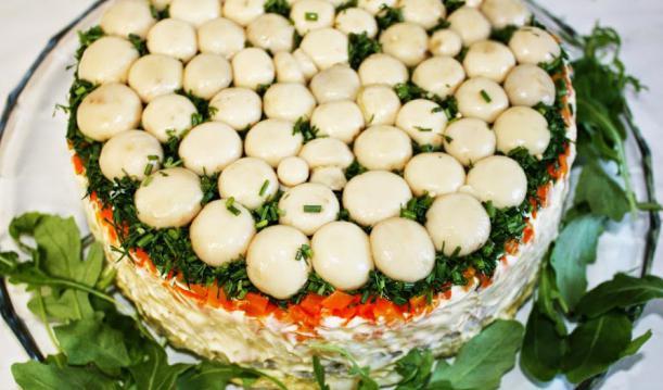 салат лесная полянка с опятами и корейской морковкой