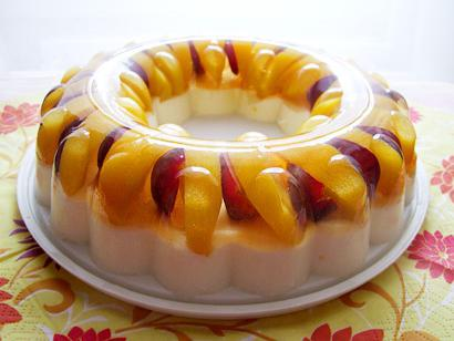 jelly cake with fruit