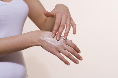skin diseases on hands treatment