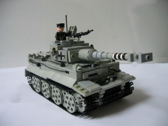 как строить танк из лего