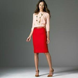 Фото красной прямой юбки