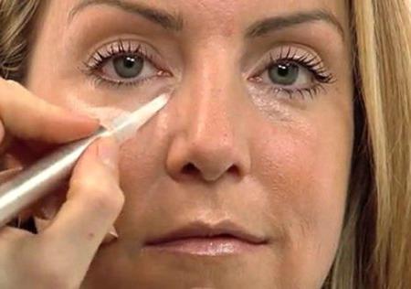 Правда ли что крем и мазь от геморроя помогают от синяков под глазами