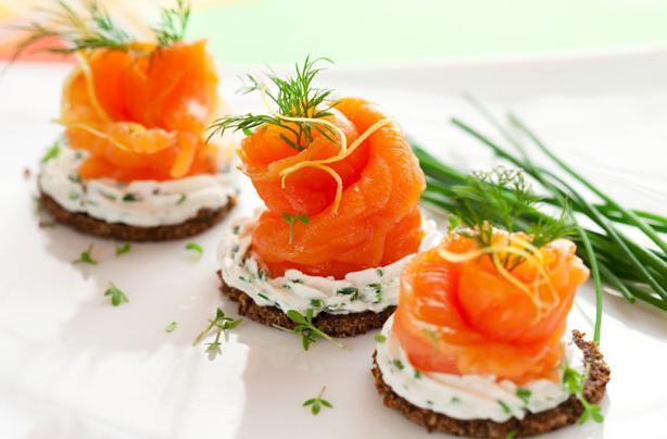 Бутерброды с красной рыбой рецепты и оформление - фото 57
