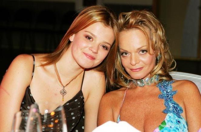 32-летняя дочь Ларисы Долиной устала быть домохозяйкой ...