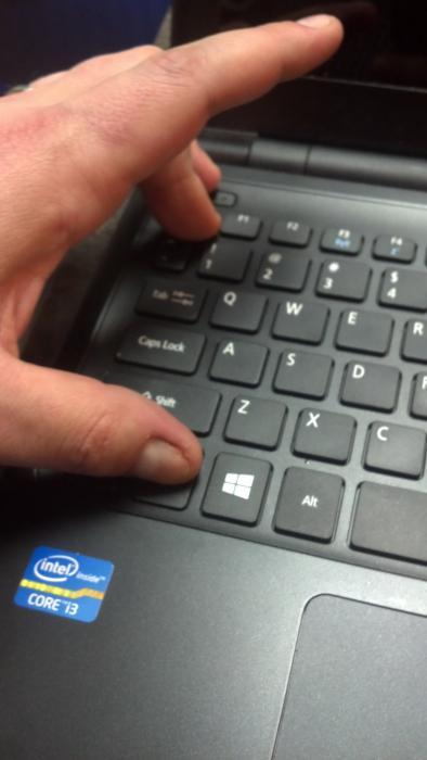 Ноутбук Acer не включается. Ремонт ноутбуков всех марок.