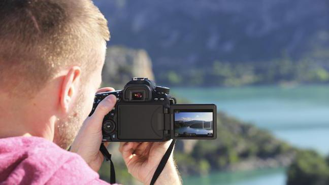 Which camera is better to buy amateur