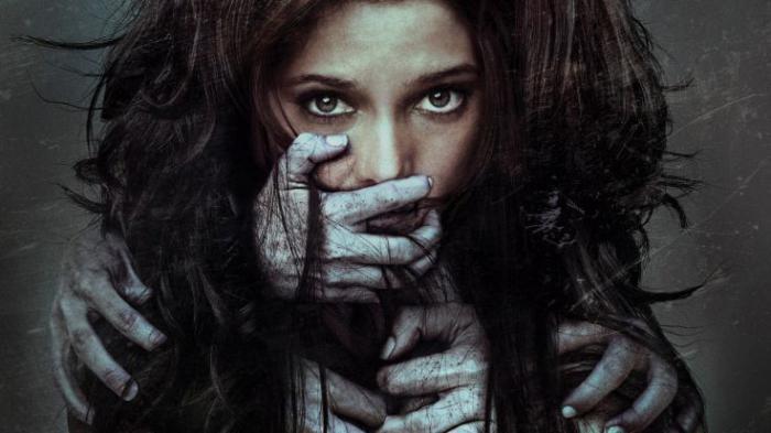 Фильмы ужасов про призраков и духов смотреть онлайн в ...