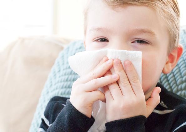 Как лечить затяжной насморк ребенку до года