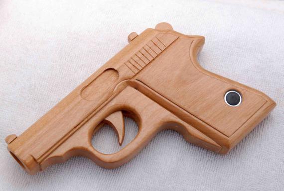 Пистолет из дерева своими руками для детей