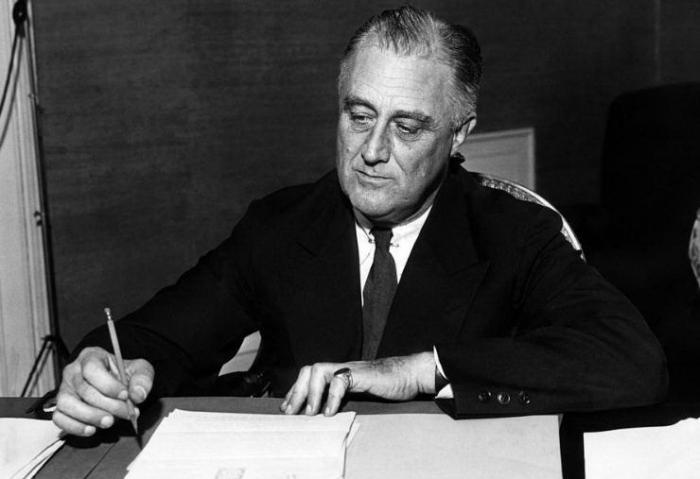 two way conversation between president franklin roosevelt bill clinton essay