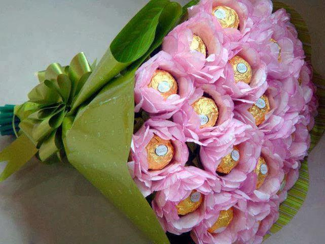 Цветочный букеты из конфет своими руками