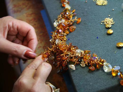 making bead jewelery