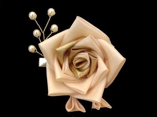 roses from satin ribbons