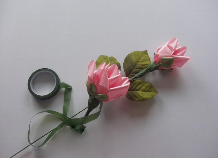 how to make roses from satin ribbons photo