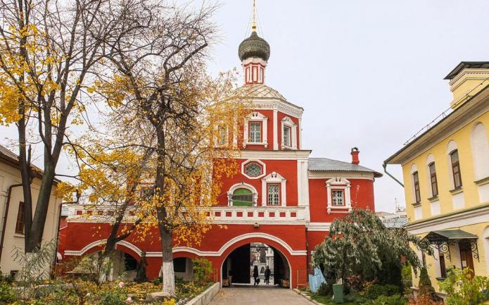 Zachatievsky monastery in Moscow