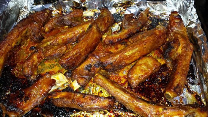 ребрышки свиные с картошкой в рукаве