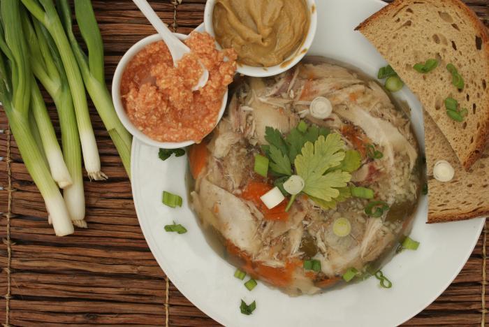 Калорийность холодца. Как приготовить холодец из свинины, говядины и курицы?