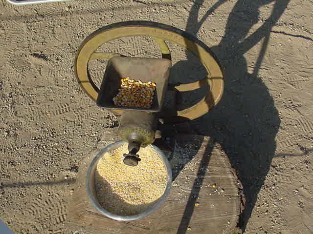 Зернодробилка ручная своими руками ремонт горного оборудования в Горно-Алтайск