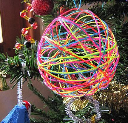 crafts from yarn and glue