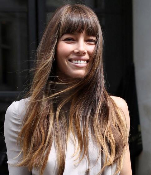 Модные прически на длинные волосы с челкой :: SYL.ru Модные Прически для Длинных Волос с Челкой