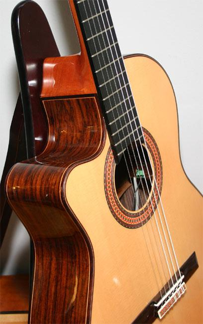 difference between an acoustic guitar and a classical one