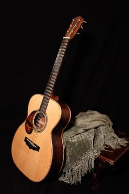 the difference between classic guitar and acoustic