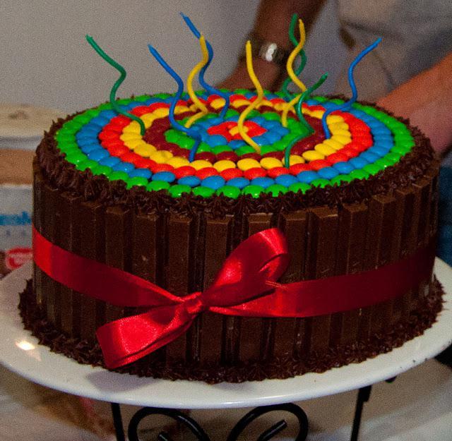 Торт из шоколадок и конфет своими руками фото 59