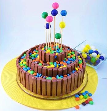 Торт из конфет и печенья своими руками