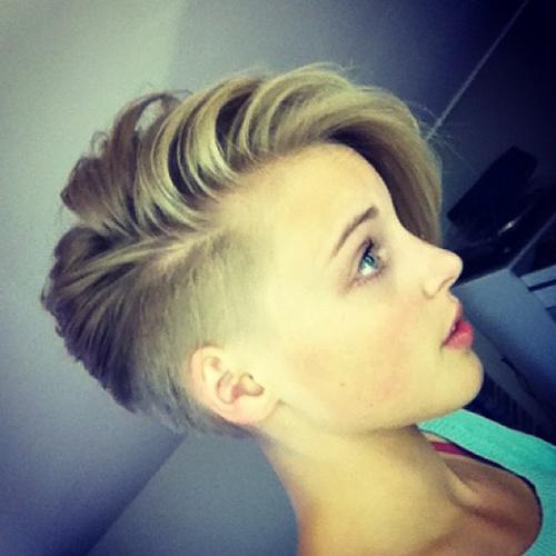 Причёски со стриженным боком