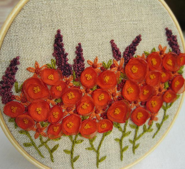 вышивка объемные цветы